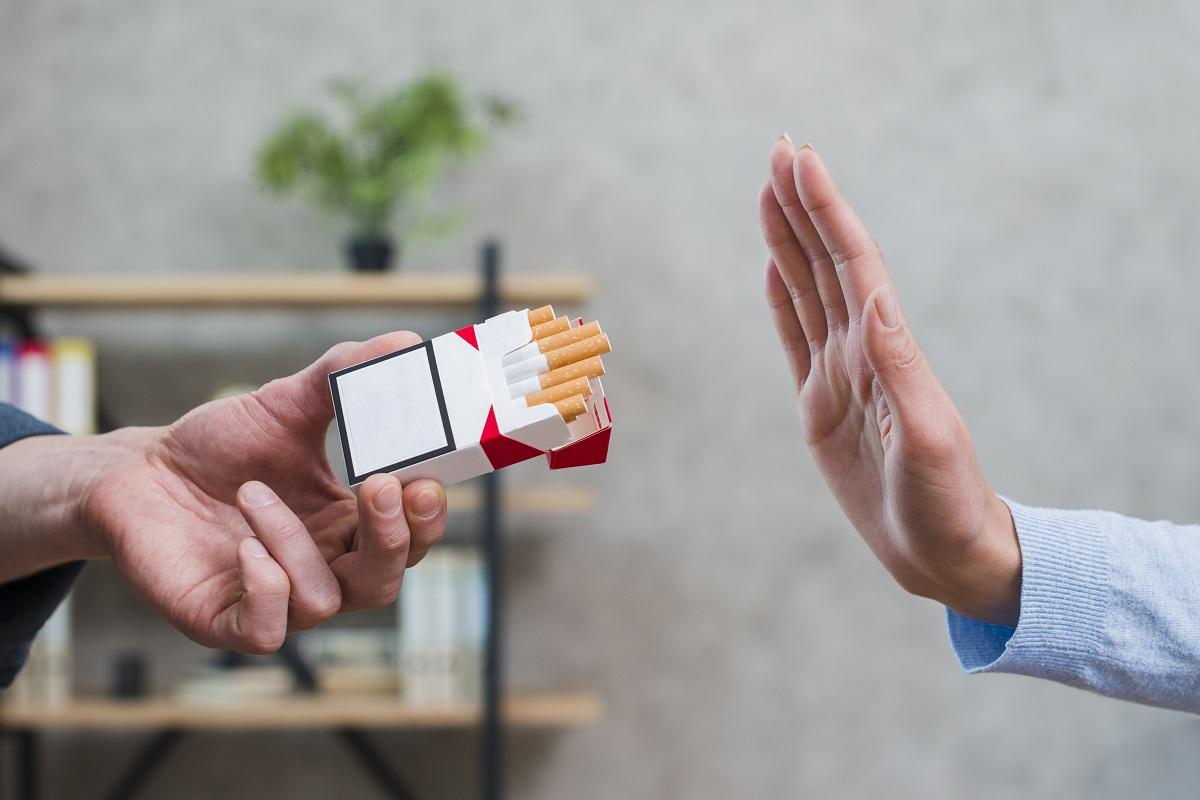 Giornata Mondiale Senza Tabacco: ecco come il fumo mette in pericolo anche la salute dei denti